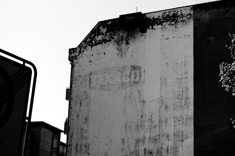 © TEXACO sign Eisenacher Str. & Grunewaldstr. Berlin 2009