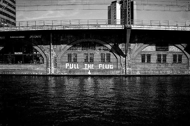 © PULL THE PLUG, Berlin 2011 by Fritsch