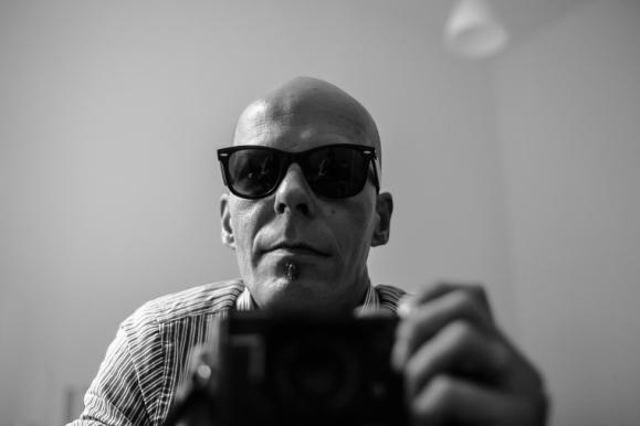 © Selbstportrait mit Lampe, Berlin 2014, Florian Fritsch